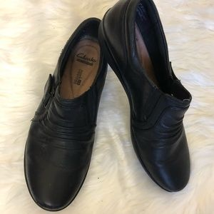 CLARKS BLACK SHOES SIZE 8